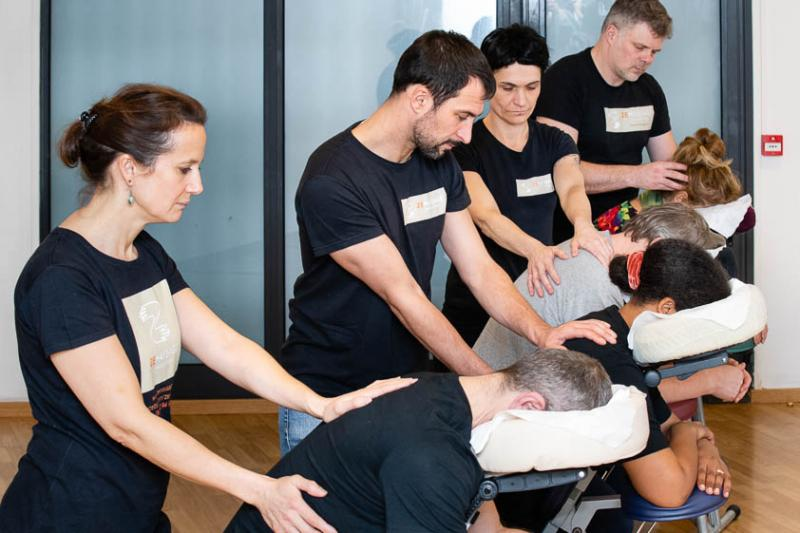 Formation massage assis à Paris